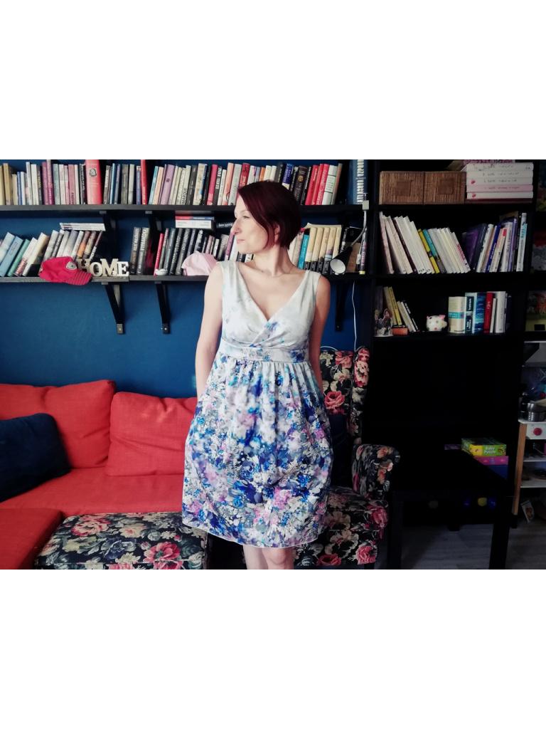 Saty s sirokymi raminky Puget lucnich kvetu 01