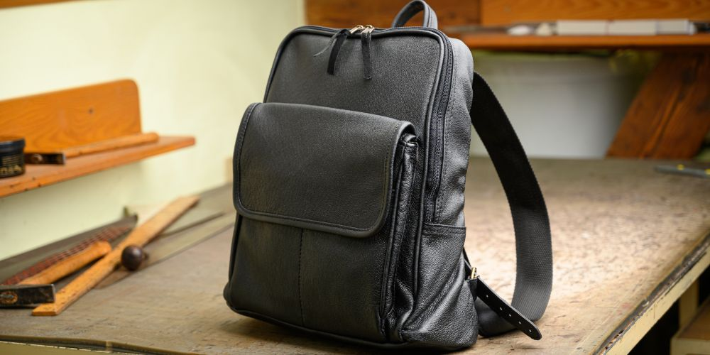 Praktický kožený batoh jako krásný vánoční dárek