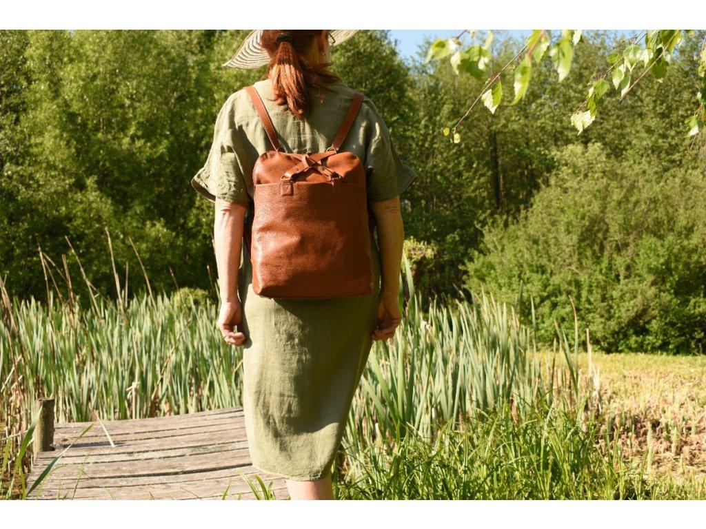 koňakový dámský kožený batoh nebo kabelka v 1 český výrobek Kubát 21844