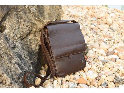 """hnědá kožená pánská brašna taška přes rameno na iPad tablet 10"""" český výrobek Kubát 580334"""