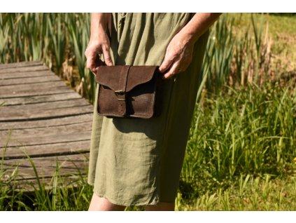 menší hnědá kožená kabelka dámská crossbody český výrobek Kubát 107332