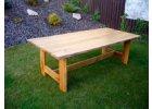 Celodřevěné zahradní stoly
