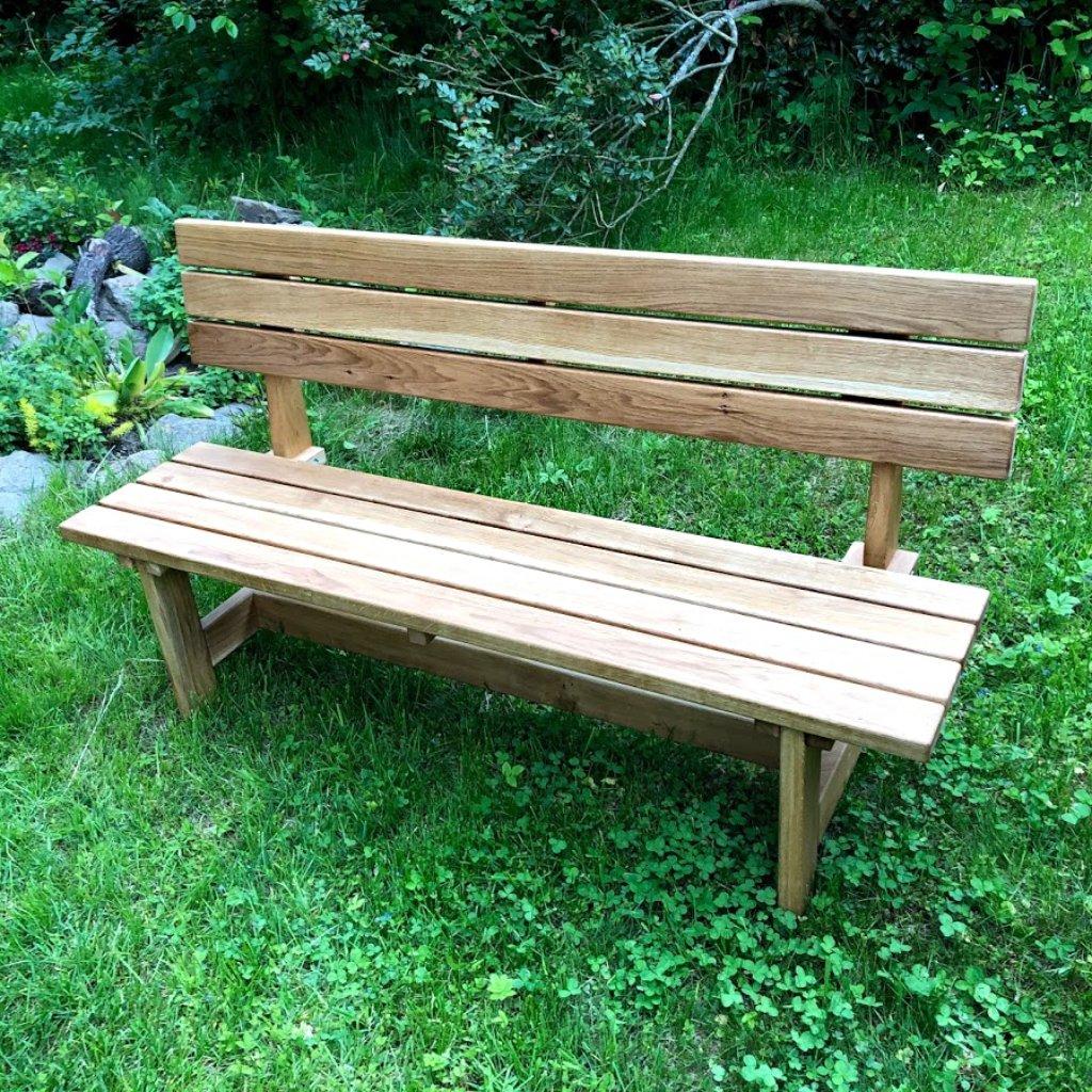 Klasická zahradní lavice