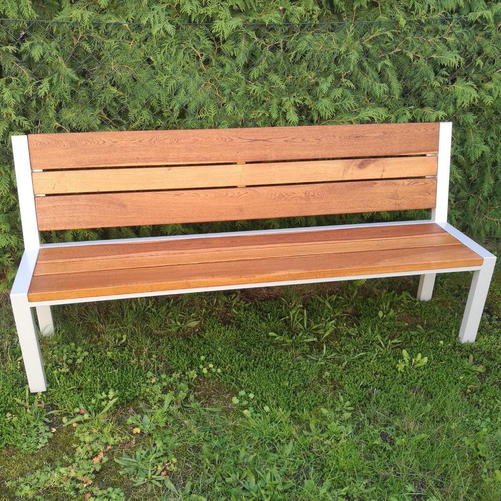 Designová zahradní lavice