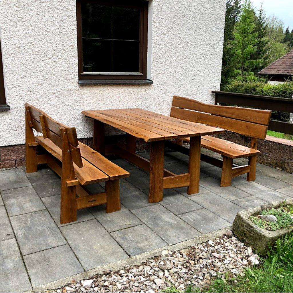 Dubový zahradní nábytek
