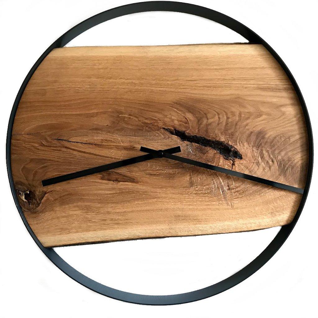 Dubové hodiny s ocelovou obručí