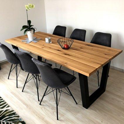 Designový jídelní stůl