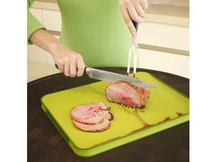 Cut&Carve™ Plus multifunkciós vágódeszka csúszásgátló sávval, nagy, fekete