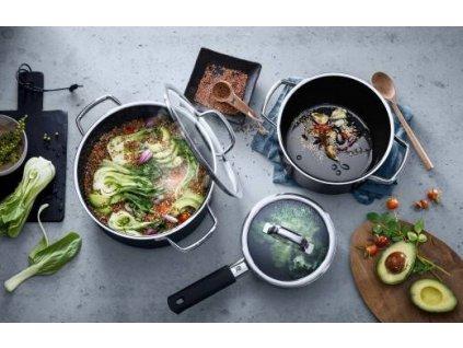 FUSIONTEC edénykészlet nyeles lábassal, 4 darabos,fekete  + INGYEN Késkészlet WMF Kineo árban 23,790 HUF
