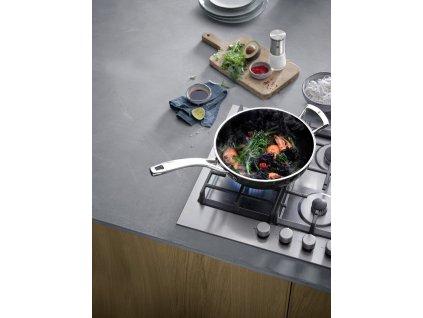 FUSIONTEC WOK serpenyő  Ø 28 cm, fekete  + INGYEN Kés WMF Kineo árban 20,690 HUF
