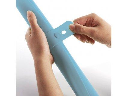 Silikonowa podkładka/rolka do ciasta jasno niebieska Roll-up™ Joseph Joseph