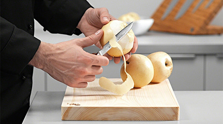 Doska na krájanie drevená stredná MIYABI