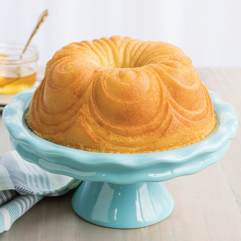 Forma na bábovku Chiffon Bundt® zlatá Nordic Ware - Nordic Ware Forma na bábovku Chiffon zlatá 2,4 l