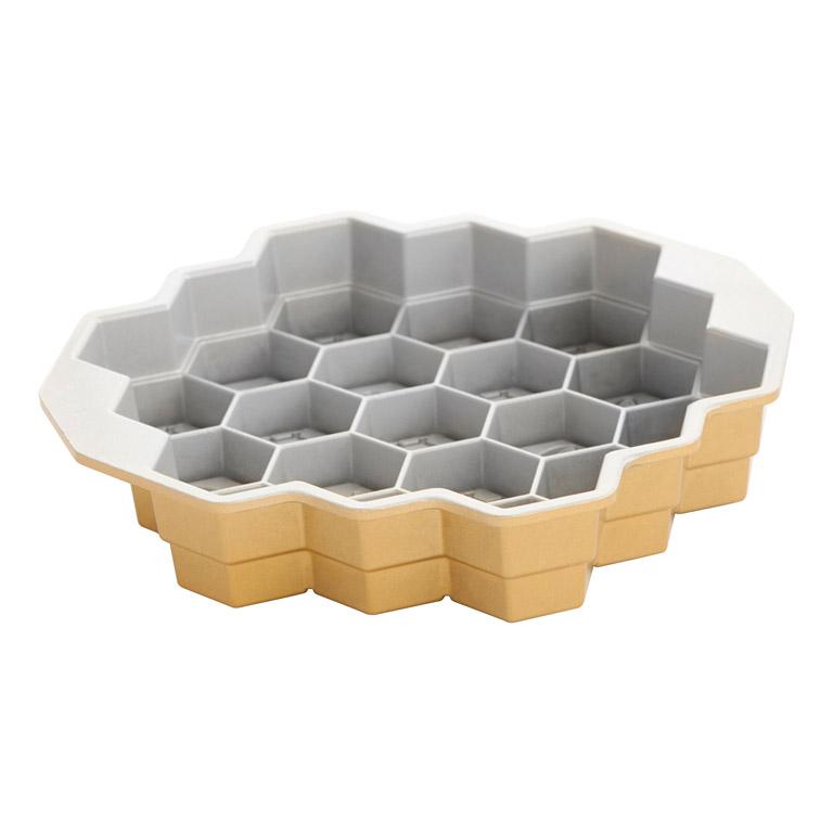 Forma v tvare včelieho plástu Honeycomb Pull-Apart Bundt® zlatá Nordic Ware