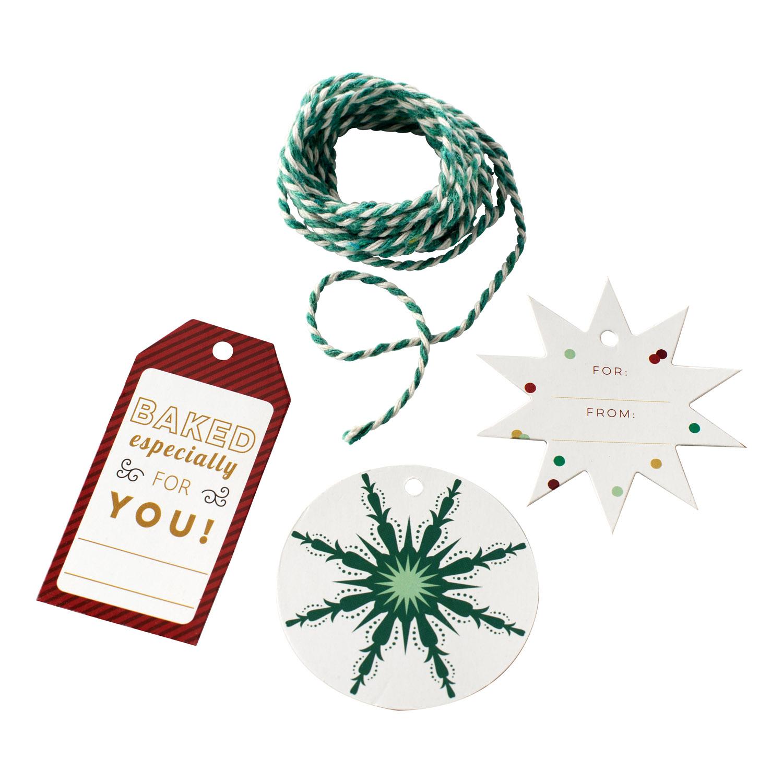 Darčekové visačky so šnúrkou Seasonally Sweet Holiday 12 kusov Nordic Ware