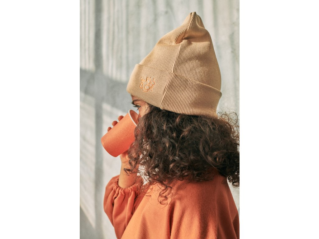 Krémová čepice