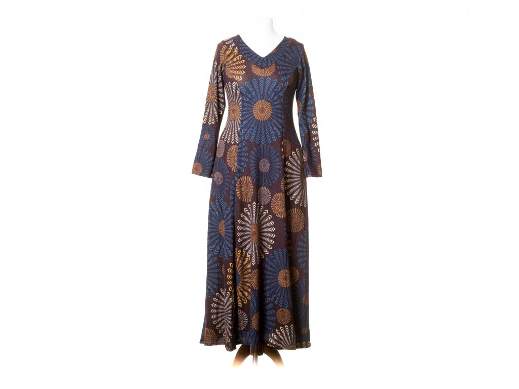 Dlouhé šaty Hékaté vypasované