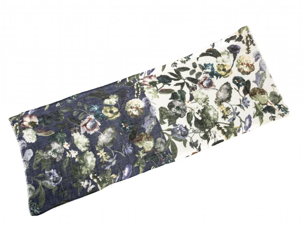 Vlněný šál modrobílý s květy