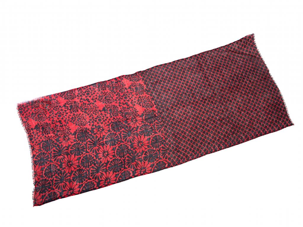 Vlněný šál černo červený se vzorem