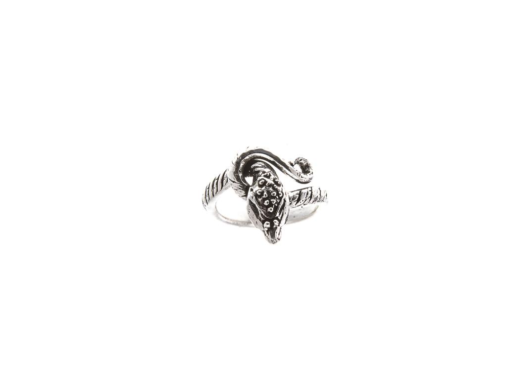 Stříbrný prstýnek Kobra