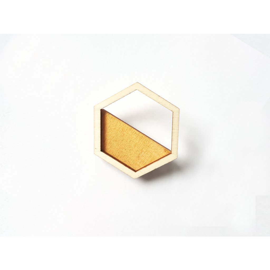 brooch hexa gold