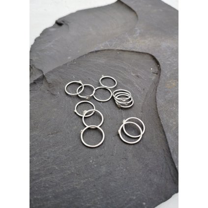 silver rings detail