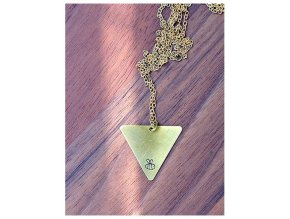 long bee triangle necklace (1)