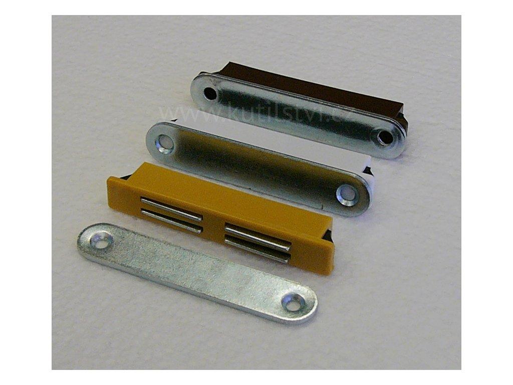 magnetka plastových dveří