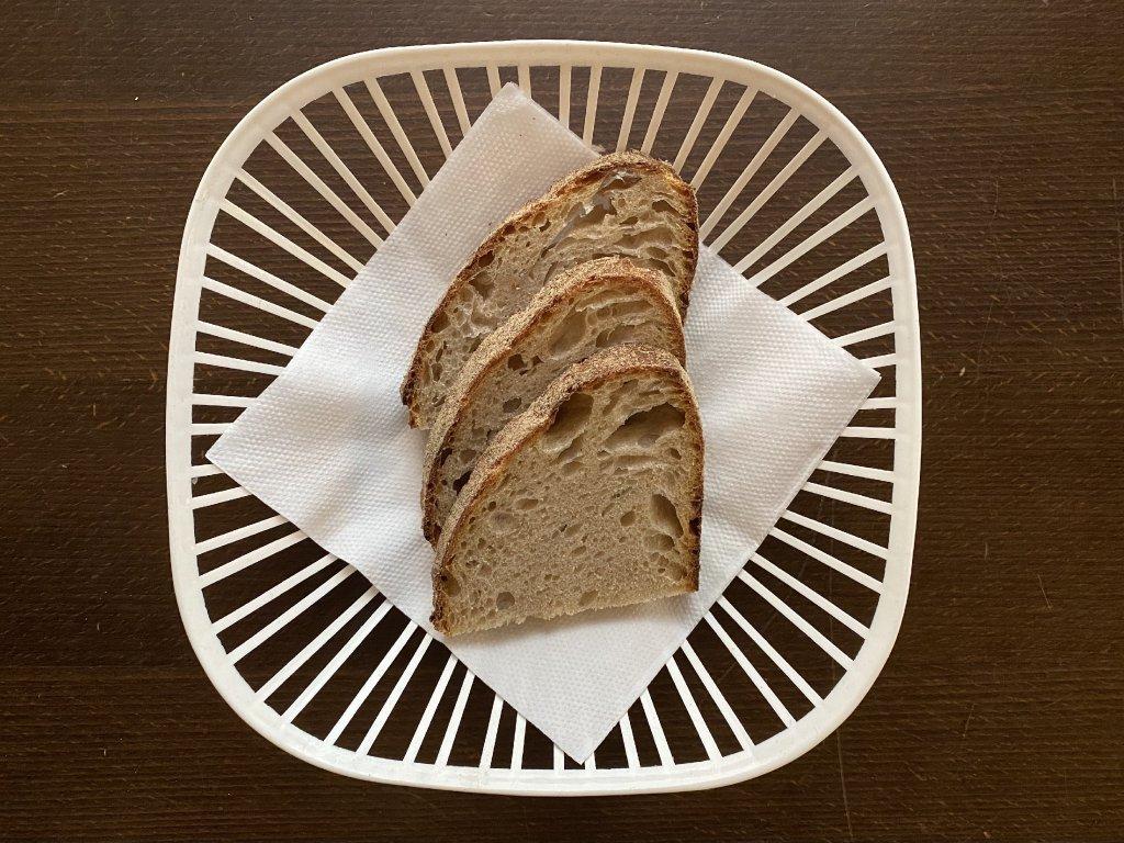 chleba-lokal-u-bile-kuzelky