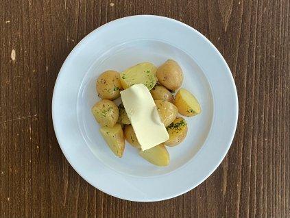 nove-brambory-varene-ve-slupce-lokal-u-bile-kuzelky
