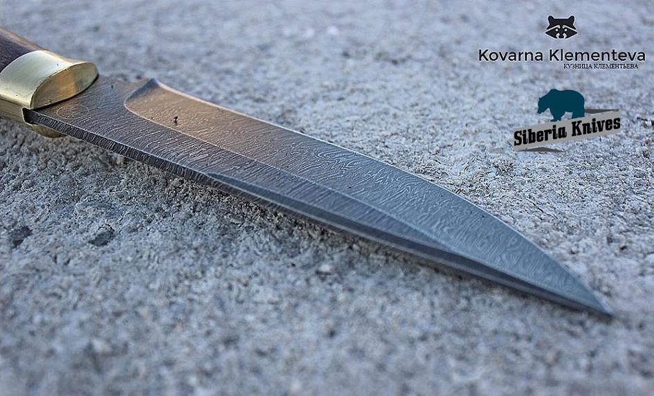 Lovecké ruské nože z damascenské oceli
