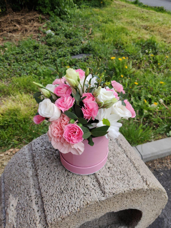 Mix květin v krabičce S