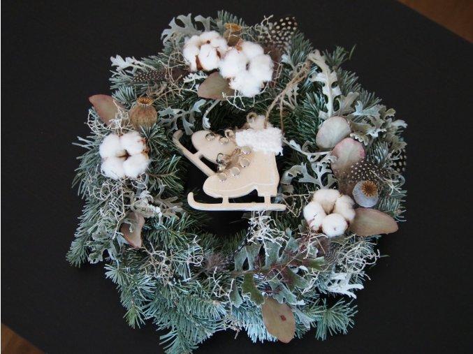vánoční věnce závěsné