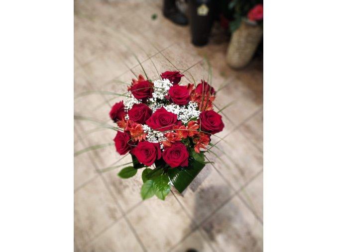 Kytice slavnostní růže