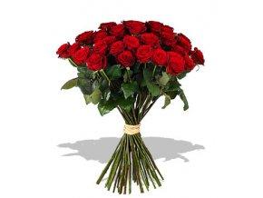 Růže k lásce schůdeček
