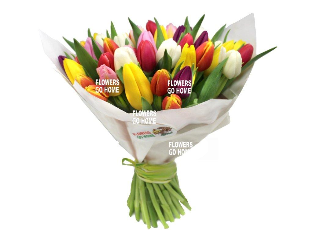 Kytice tulipánů pro maminku