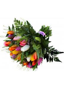 Kytice tulipánů se zelení - NAROZENINOVÁ KYTICE