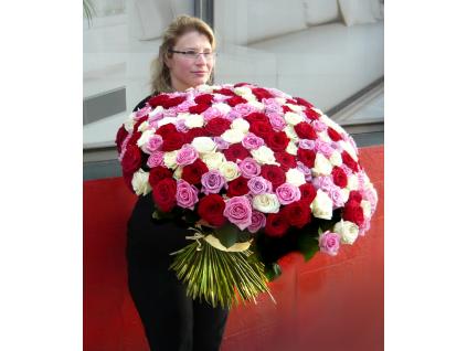 Maxi kytice růží