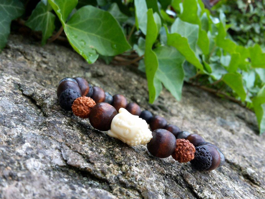 Benny Pánský náramek (dřevo, minerály,láva )1