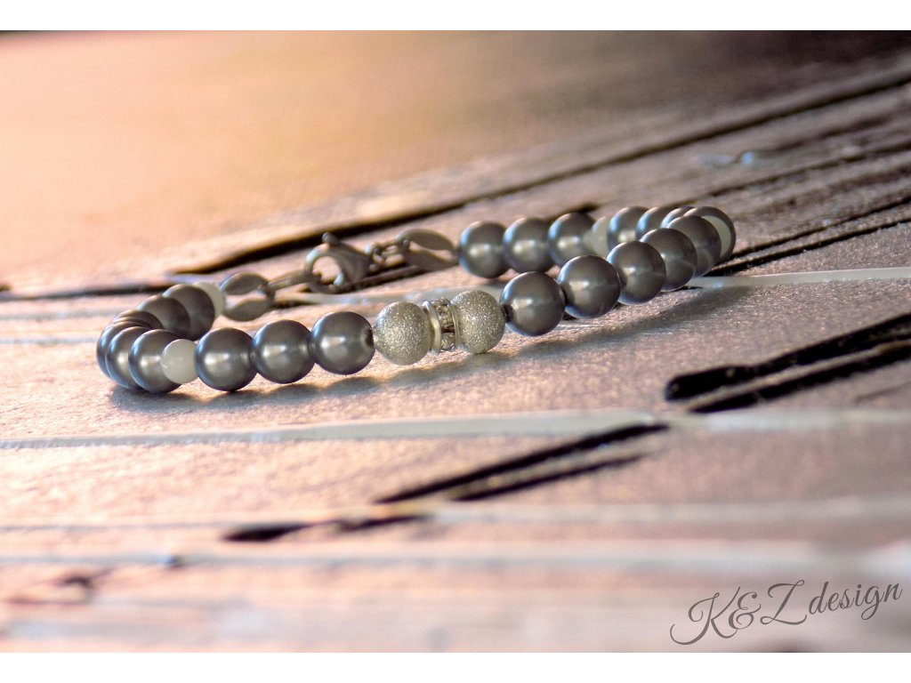 818 nice beauty s bilou perleti