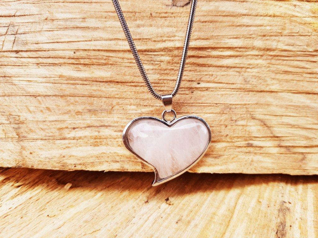 Velké srdce Náhrdelník (ocel a růženín)1