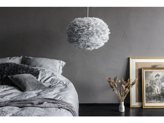 2090 Eos large light grey bedroom with goldframes environment