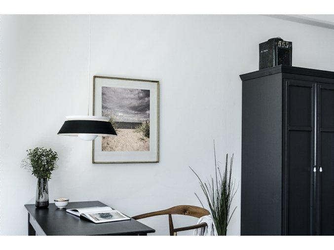 2035 Cuna matt black white cord desk and closet environment