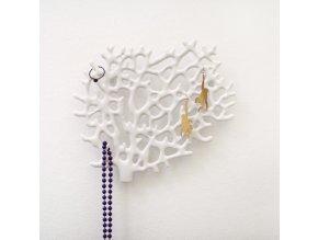 Organizér / věšák ve tvaru korálu na šperky na zeď - bílý
