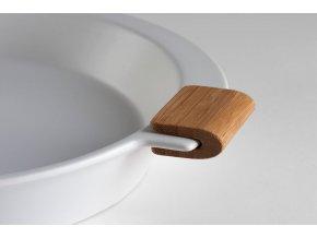 Spin handle bamboo closeup