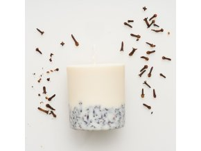 Cloves candle