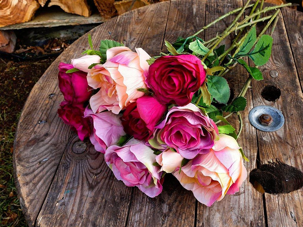 Květiny růžel