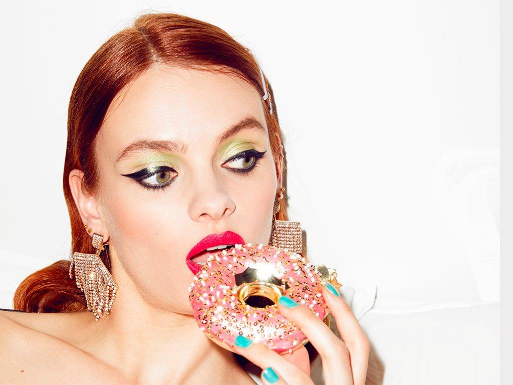 Vánoční skleněná ozdoba Donut růžový 11 cm