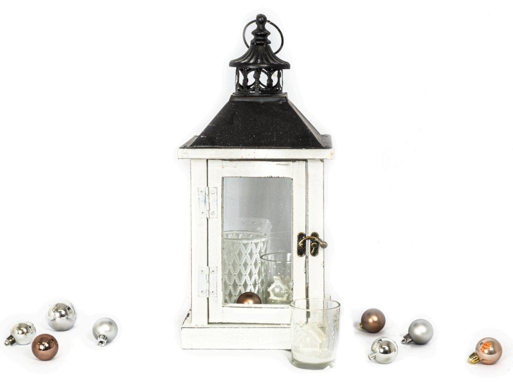 Sada 4 ks dekorací: Lucerna, svícen bílý, svícny se svíčkou ve tvaru domečku