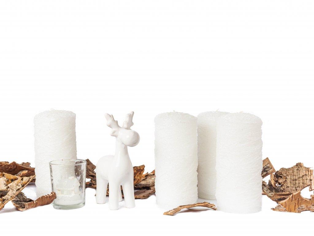 Sada dekorací: Sob se svícnem a svíčkou, svíčky 4 ks
